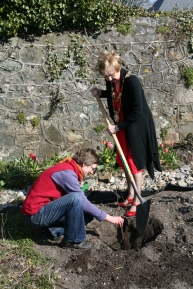 Mayor Terry O'Flaherty at tree planting ceremony at Galway Visioning Day
